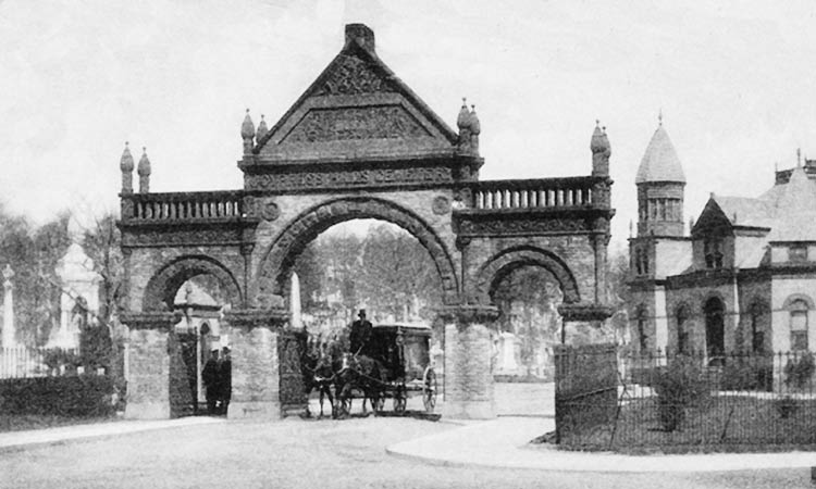 Gate-entrance-Cypress-Hills-Cemetery-Year-Unknown