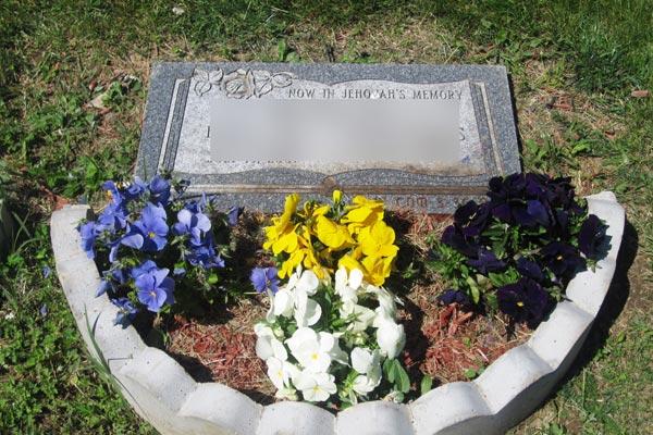 Flat-marker-gravestone