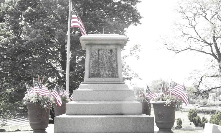 Police-Mound-at-Cypress-Hills-Cemetery